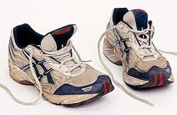 wornrunningshoes